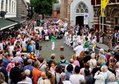 Optreden Straattheaterfestival Woerden kerkplein